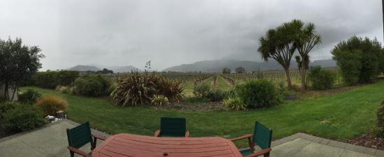 Vintners Retreat : View on a rainy day