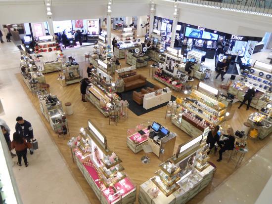 The busy ground floor photo de le bon march rive gauche paris tripadvisor - Le bon marche rive gauche ...