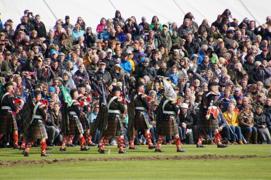 The Braemar Gathering: Lovely pipe bands.....