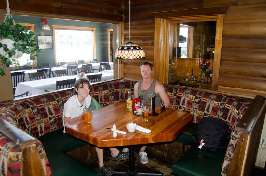 Sumas, WA: Waiting for a lovely meal.