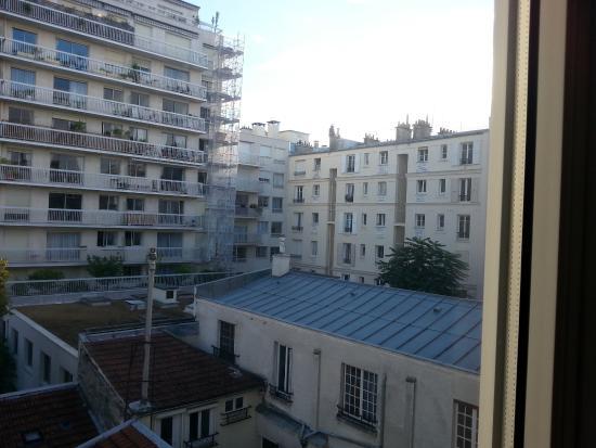 Family Hotel Residence 75 : Вид из окна