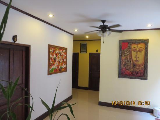 Golden Lotus Place: Hotels