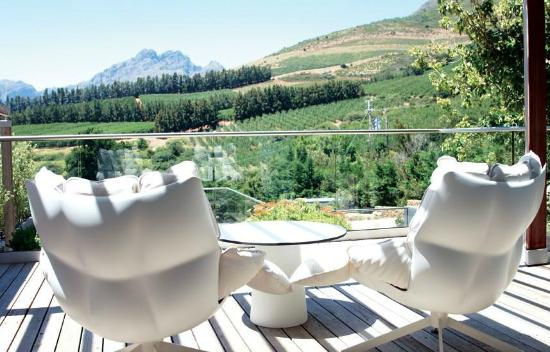 Clouds Wine & Guest Estate: Standard room terrace & view