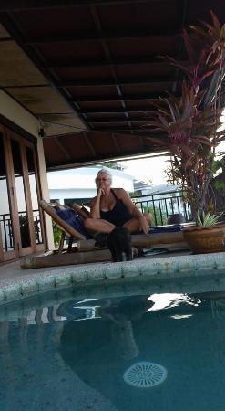 Plai Laem, Thailand: happy me by the pool