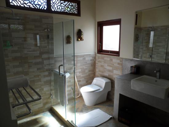 Luce d'Alma Resort & Spa: wc villa A