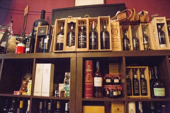 Lisbon Guided Tours: Port bar
