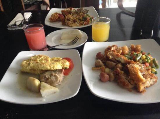 Hotel Mirah Sartika : Sarapan Mirah Hotel