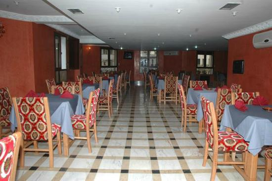 Hotel Al Mamoun: Buffet Restaurant