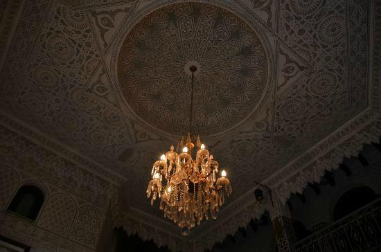 Hotel Al Mamoun: Plafond art déco