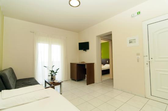 Elina Hotel: FAMILY ROOM