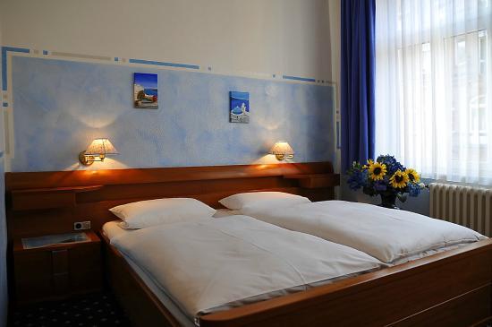 Hotel Garni Probst: 05_Doppelzimmer_NikonD700_2646x1757_Nitzschke