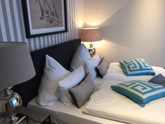 Hotel Kuenstlerquartier Seezeichen: Schlafzimmer