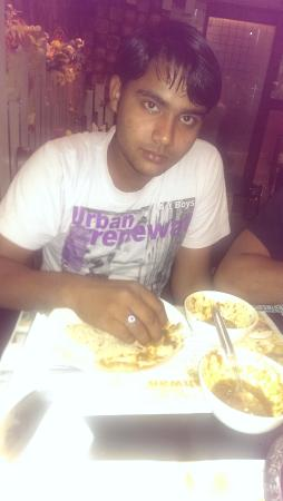 Dustar Khwan Restaurant