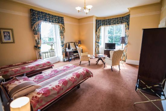Park House Hotel Twin Bedroom