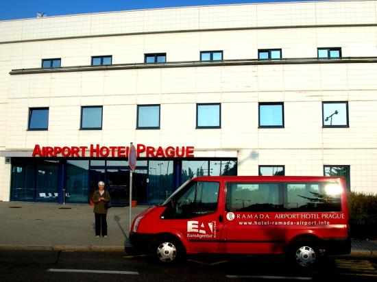 Airport shuttle picture of ramada airport hotel prague for Prague airport transfers sro reviews