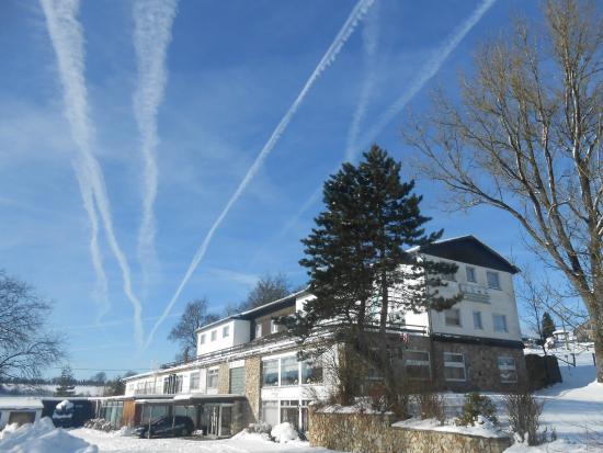 Wirtzfeld, Bélgica: Winteraanzicht Sporthotel