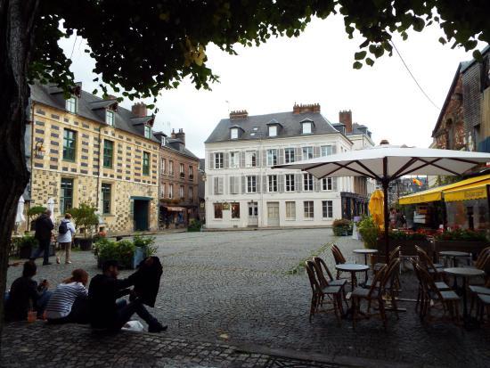 Office de Tourisme de Honfleur : Photo from the centre of town