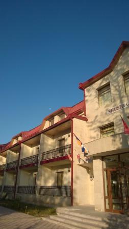 Shushi Grand Hotel: outdoor