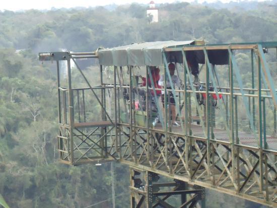 Abseiling in the Iguacu Canyon: Plataforma do rapel.