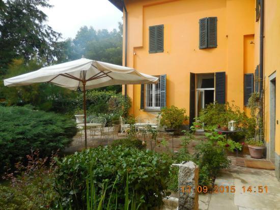 Pantigliate, Italia: Giardino