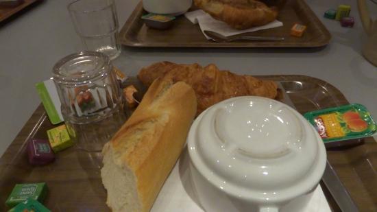 Campanile Creteil Centre: французский завтрак