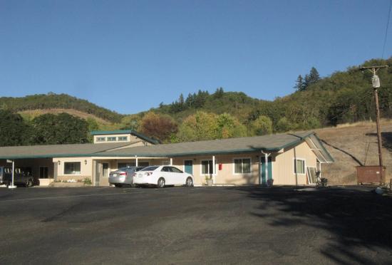 شايدي أوكس موتل: Shady Oaks Motel