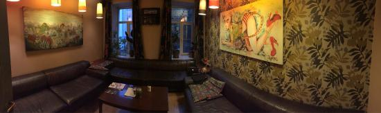 Godzillas Hostel: Salon commun