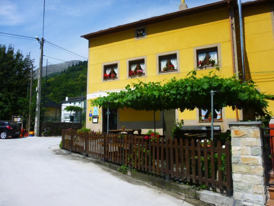 Hotel Rural La Pista: Fachada principal