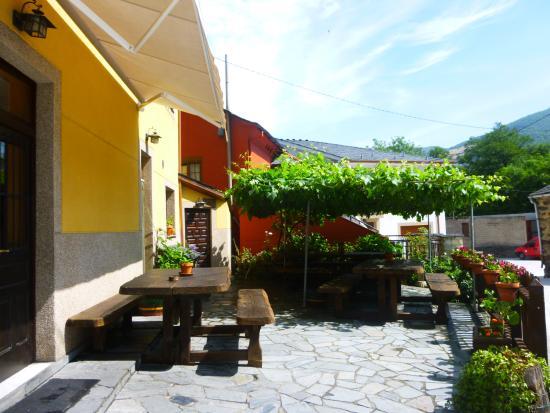 Hotel Rural La Pista: Terraza