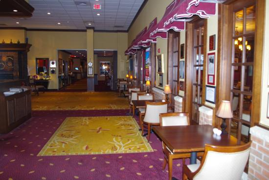 Salvatore's Grand Hotel: Lobby area