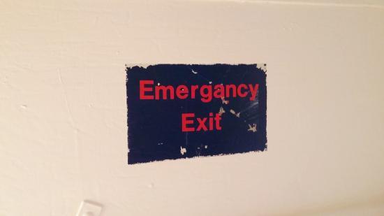 Philip, Dakota del Sur: elevator ceiling sign, LCC, Minuteman Missile NHS, Sep 2015
