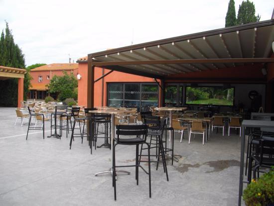 Camping Le Haras : Salle extérieure du restaurant