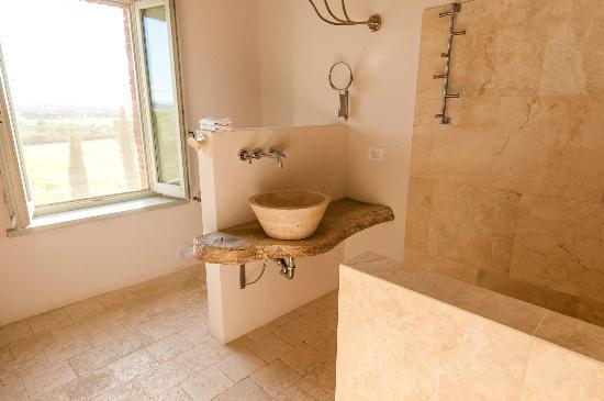 Siena House: Cortona Bathroom