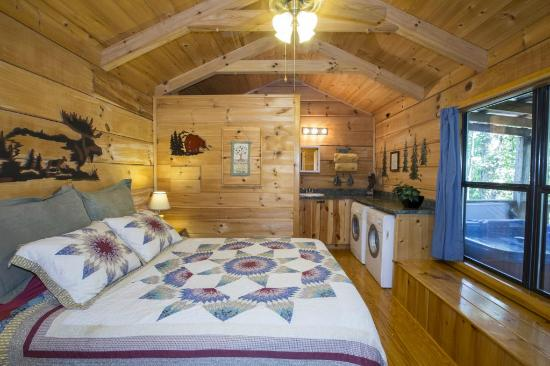 Genial Hot Springs Log Cabins: One Room Log Cabin With Pocket Doors.