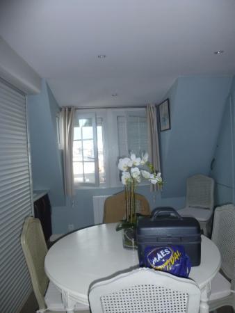 Hotel Le Central: Kitchenette