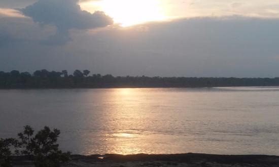 Hotel Utüane : Atardecer Rio Amazonas