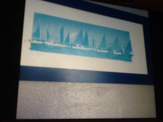 Olanda Guest House: Picture with wall decoration