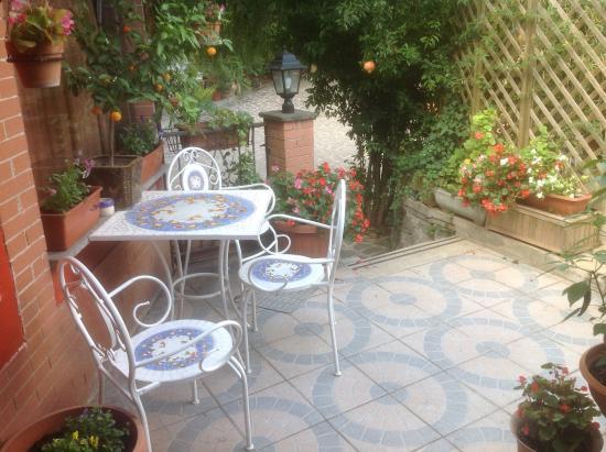 La Veranda Fiorita : Wifi & Coffee