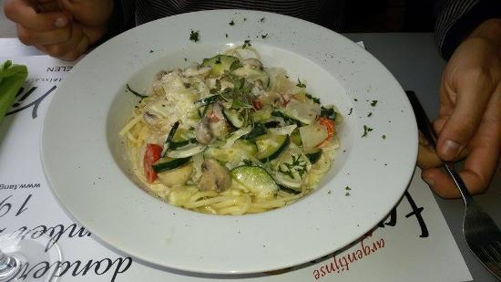 Via Via Mechelen : Vegetarische pasta met courgette