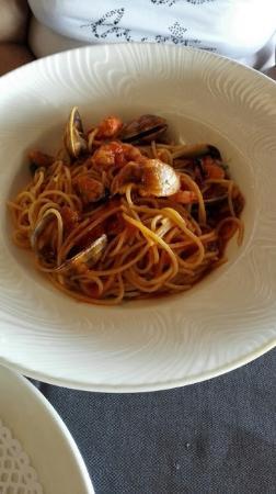 Spaguettis con frutos de mar