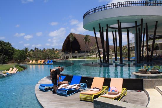 pool area picture of inaya putri bali resort nusa dua. Black Bedroom Furniture Sets. Home Design Ideas