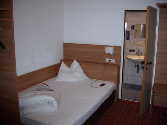 Hotel Zach: Annex room