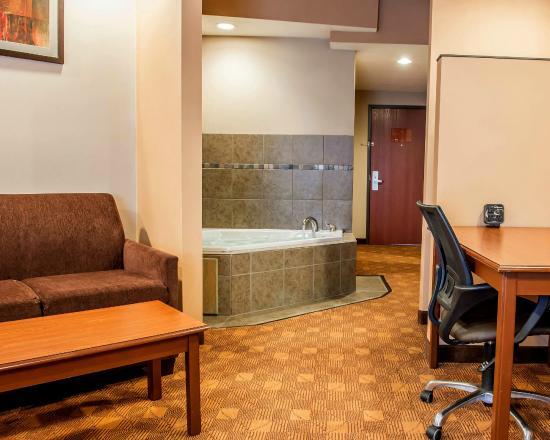 comfort suites monaca 104 1 1 4 updated 2019 prices hotel rh tripadvisor com