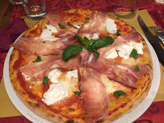 Oriago di Mira, Italië: Sapori veri di Puglia.....il migliore nella zona veneziana i proprietari sono dei grandi!!