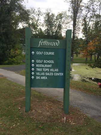 Fernwood Resort: SIGN ACROSS FROM RESORT ENTANCE