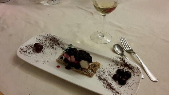 Le Case dei Baff: Cheesecake con Caprino della Val Tartano e Frutti di Bosco
