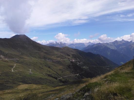 Sarentino (Sarntal), Italien: panorama del Passo Pennes versante Vipiteno