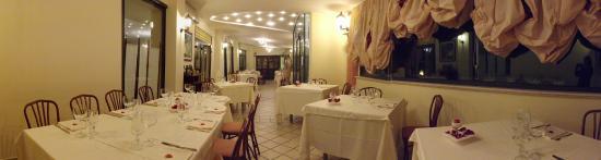 San Valentino in Abruzzo Citeriore, Italië: Ristorante Congusto by Panorama