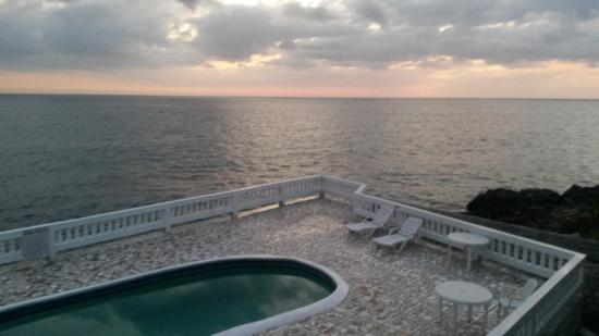 South Sea View Guest House: Sun set