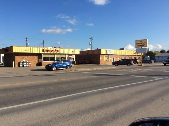 Buckhannon, Virginia Occidental: The Donut Shop